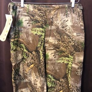 Cabela's camouflage 36x36 Green pocket pants new